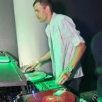 DJ ID640